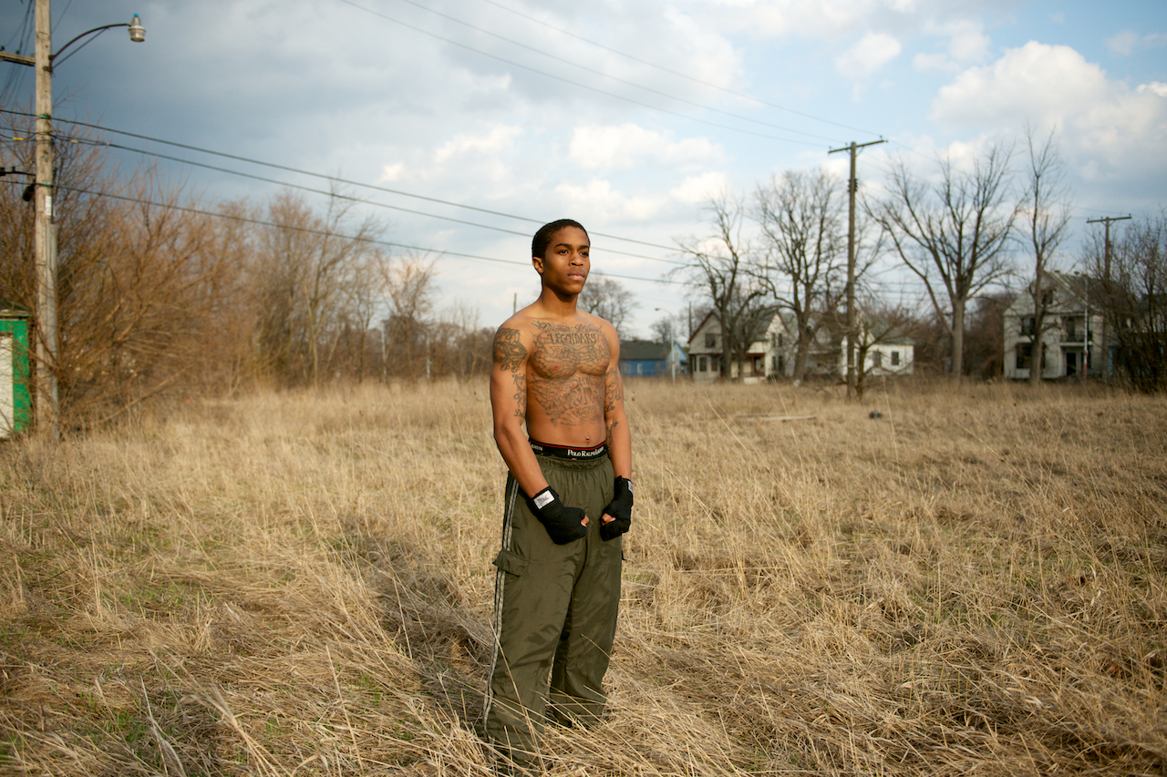 Denzel Training : Detroit boxer trains on vacant land in his neighborhood.