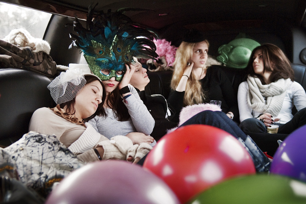 Going Home : Series documenting bachelorette parties as a rite of passage for young American wome