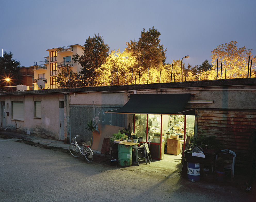 Olim Palus : A garage in the suburb during the night, Latina, 2011.
