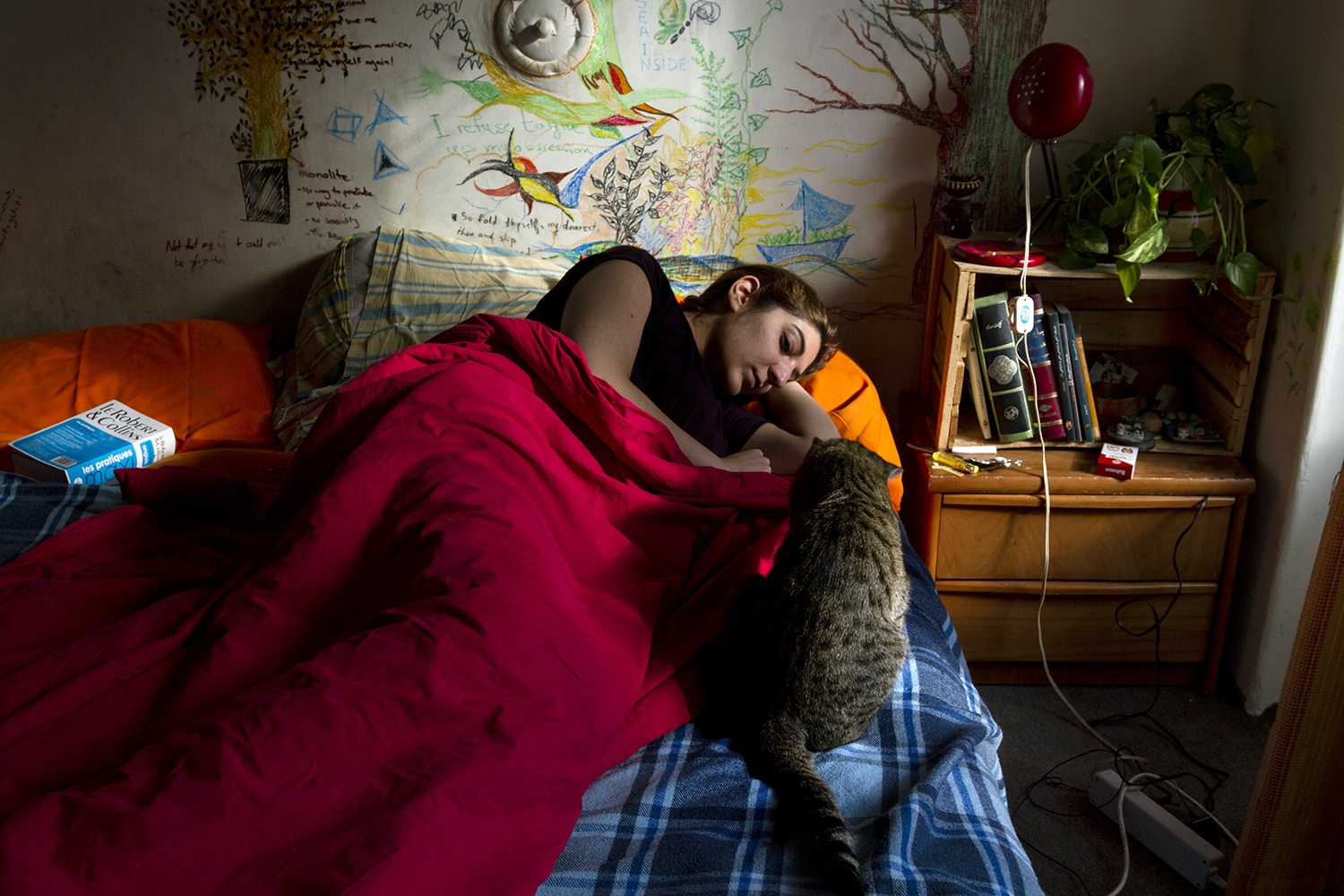 The blind-06 : 'The blind' is a photo book about 12 Iranian women who live alone. Although there is social stigma,the number of single women who choose this lifestyle is growing these days.