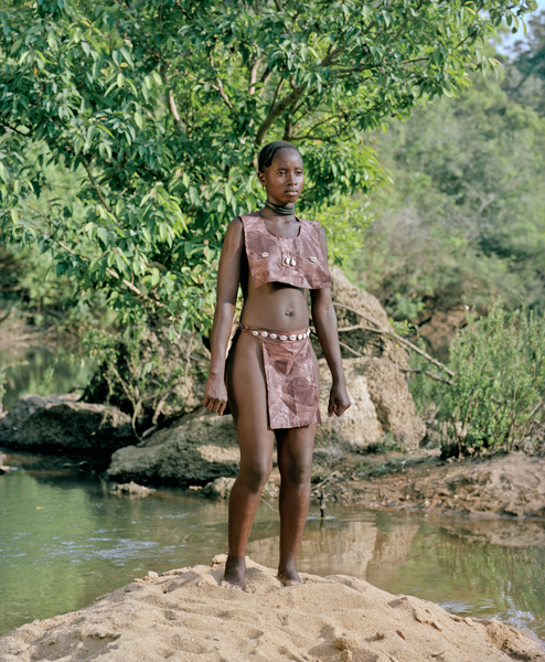03_StatuetteZoo_Foret_Guinee_201 : black woman, forest