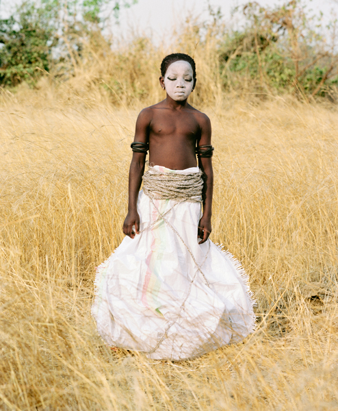08_Statuette_Punu_Bintou_Guinee_201 : savane, black child
