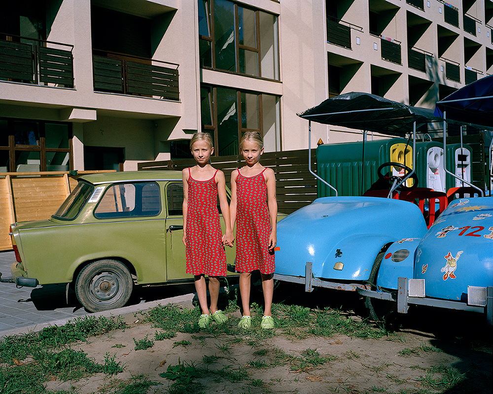 Untitled#08 : Austrian twins, Siófok, Hungary, 2010