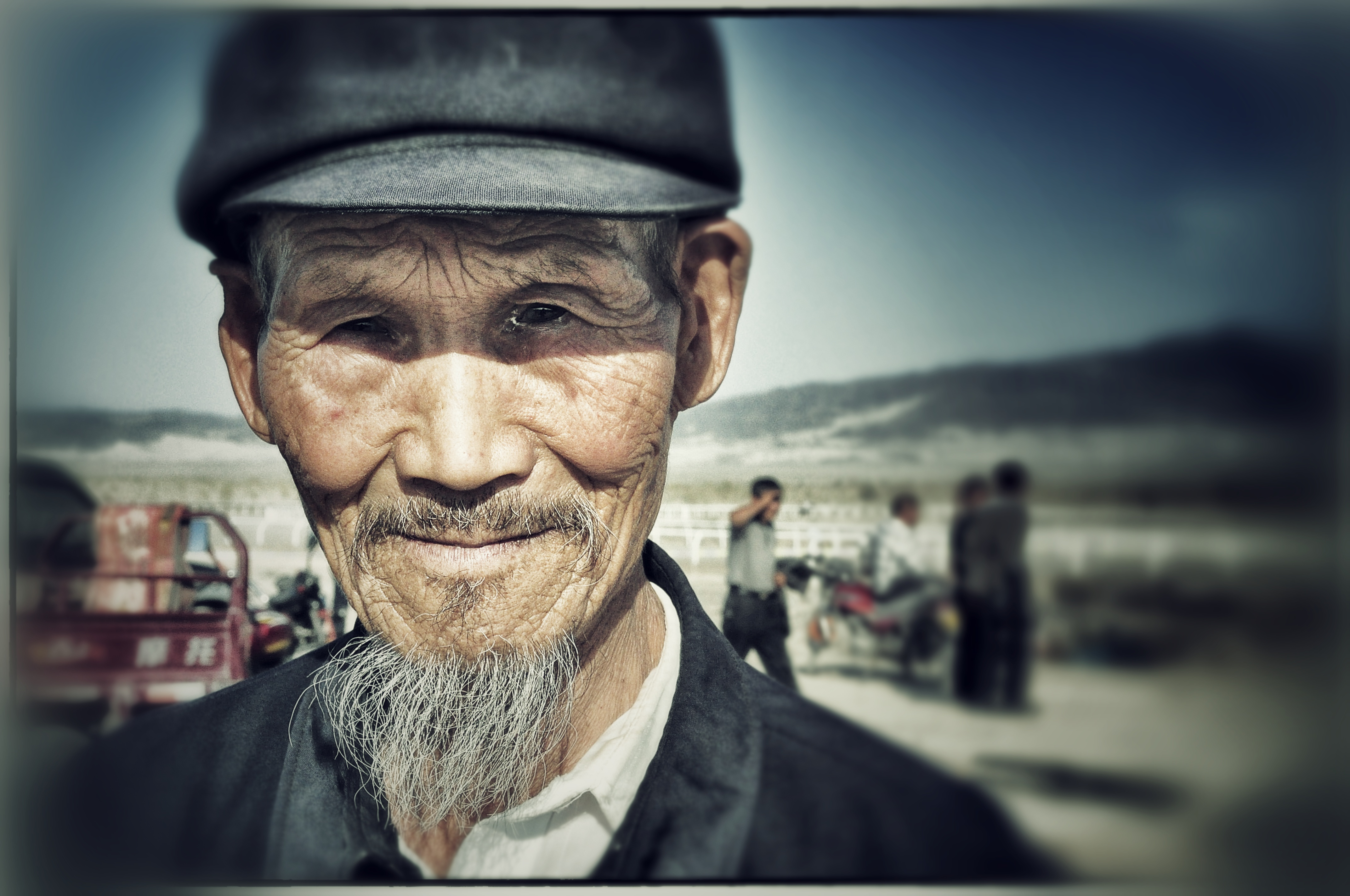 Chinese Portraits : Old Han Man - Portraits from diverse ethnic origins like Uyghur, Han, Kazak, Hui, Xibo and Mongol in China.