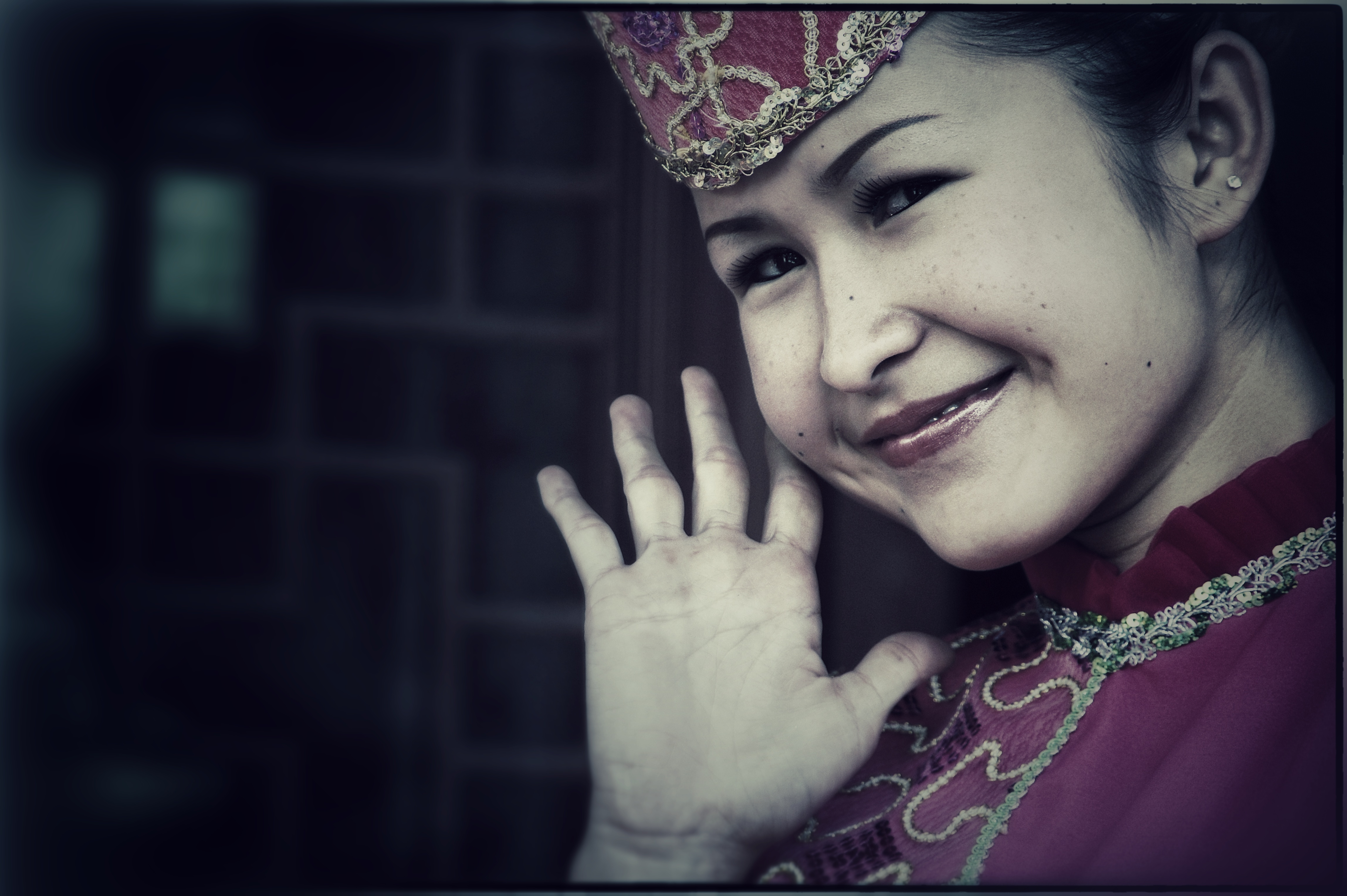 Chinese Portraits : Hui Dancer - Portraits from diverse ethnic origins like Uyghur, Han, Kazak, Hui, Xibo and Mongol in China.