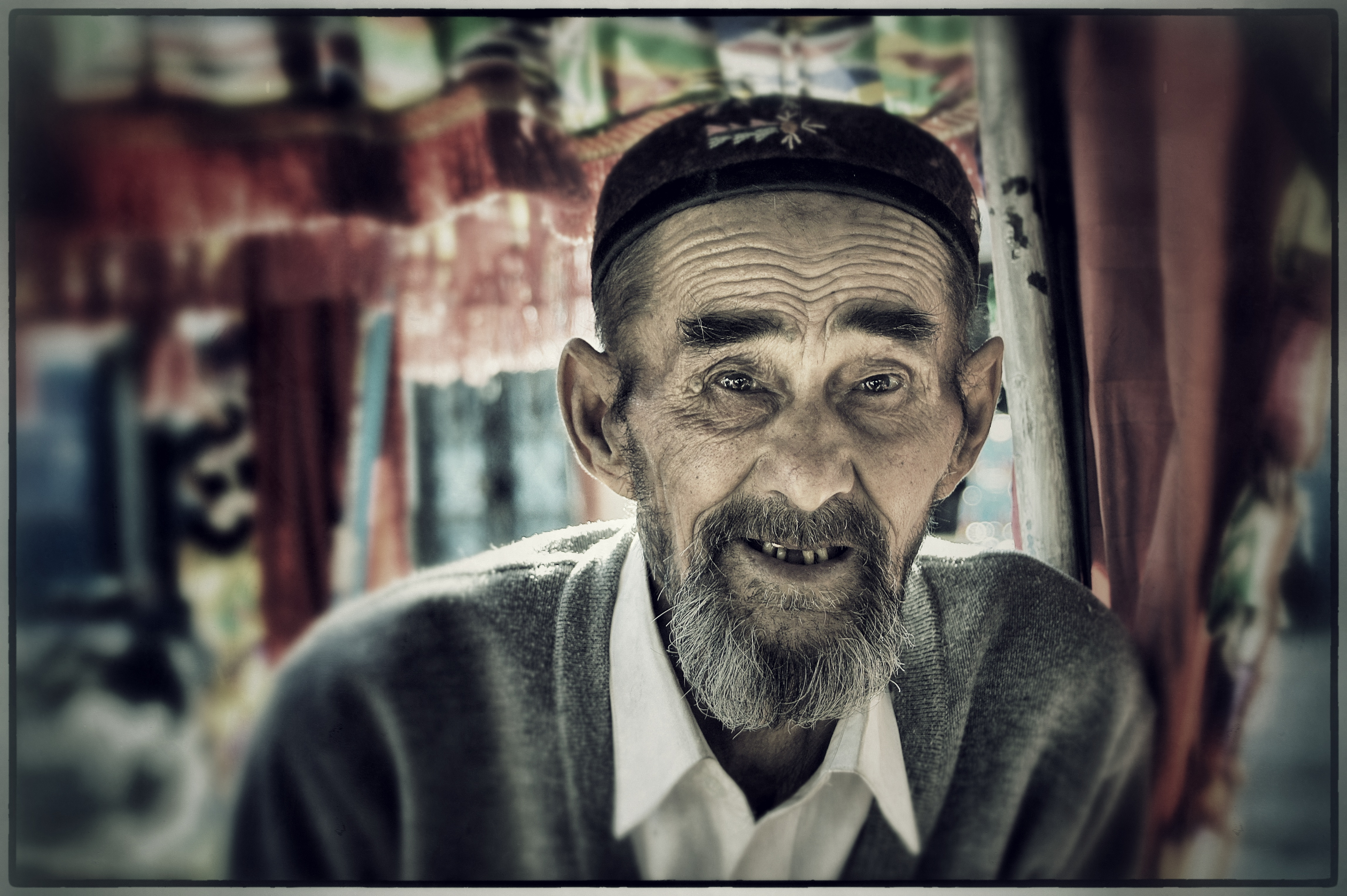 Chinese Portraits : Kazakh Coachman - Portraits from diverse ethnic origins like Uyghur, Han, Kazak, Hui, Xibo and Mongol in China.