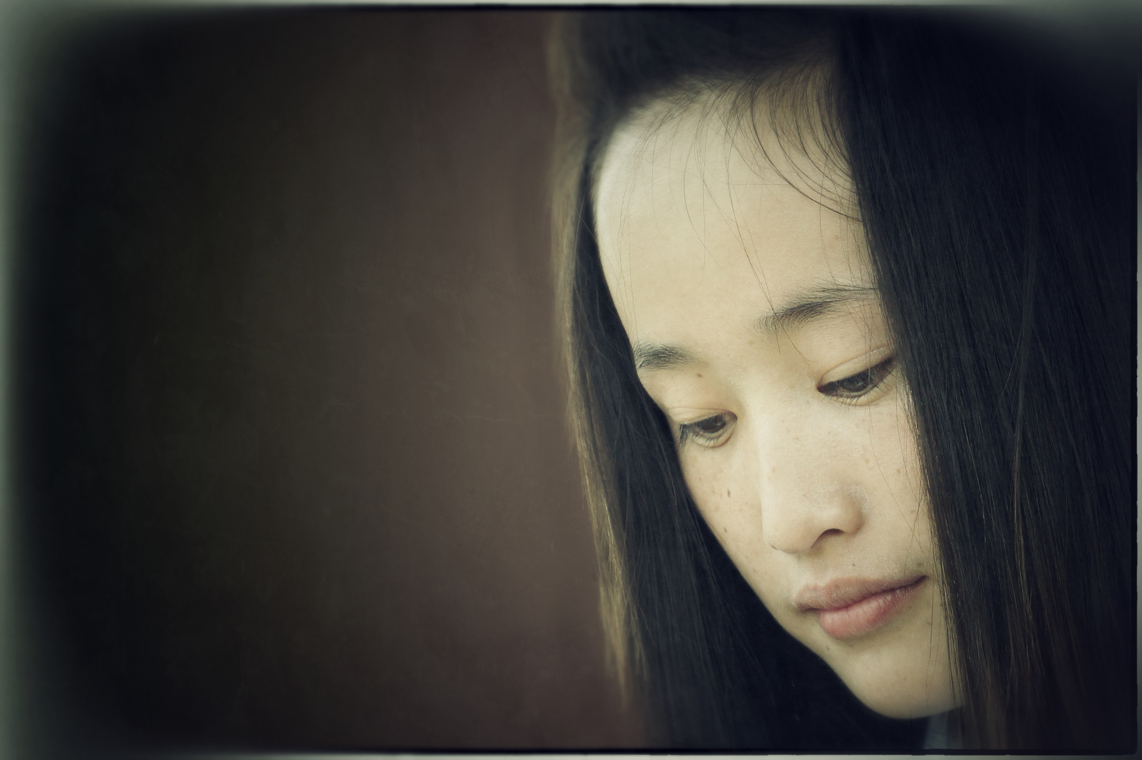 Chinese Portraits : Innocence of Hui Girl - Portraits from diverse ethnic origins like Uyghur, Han, Kazak, Hui, Xibo and Mongol in China.